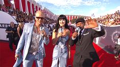 Riff Raff, Katy Perry & Sway Awesome #VMA Red Carpet #GIF