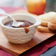 This Overnight Apple Butter is great on an english muffin or toast at breakfast! #CrockPot #SlowCooker #recipe