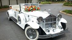 Vintage 1920's Rolls Royce Phantom Limousine. Perfect for any Wedding Day. #wedding_limousine