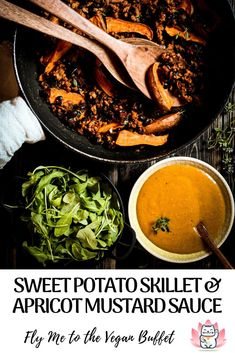 This vegan sweet potato skillet is the perfect fall food with crispy aromatic sweet potatoes, fresh rocket salad and hearty veggie mince with nourishing black beans #veganfallfood #vegancomfortfood