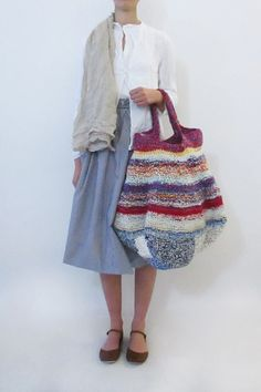 Billedresultat for daniela gregis bag Crochet Tote, Crochet Handbags, Knit Crochet, Rainbow Bag, Diy Sac, Knitwear Fashion, Clutch, Knitted Bags, Handmade Bags