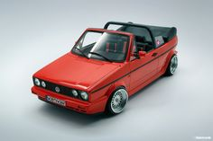 Classic Car News Pics And Videos From Around The World Golf 1 Cabriolet, Vw Golf Cabrio, Volkswagen Golf Mk1, Classic Golf, Classic Cars, Vw Mk1 Rabbit, Convertible, Best Muscle Cars, Audi