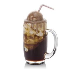 Root Beer Float with Vanilla Ice Cream and Straw in Acrylic Mug - High + Straw Beer Bratwurst, Pilsner Beer, Ice Cream Floats, Ice Cream Cookie Sandwich, Food Artists, Ice Cream Desserts, Fake Food, Food Categories, Play Food