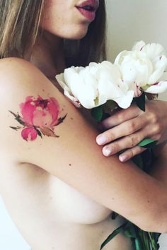 Ces Incroyables Tatouages Inspirés Par les Plantes Ont L'air Plus Vrais Que Nature