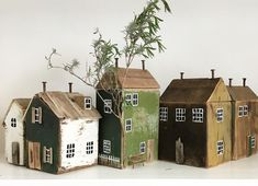 cute little houses Scrap Wood Crafts, Wood Block Crafts, Driftwood Crafts, Wooden Crafts, Wood Blocks, Pottery Houses, Ceramic Houses, Wooden Houses, Small Wooden House