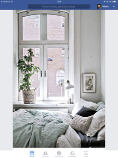 Discover Modern examples of Minimalist Bedroom Decor Ideas design in your home. See the best designs for your interior bedroom. Interior Design Minimalist, Modern Minimalist, Small Minimalist Bedroom, Minimalist Living, Minimalist Decor, Modern Design, Minimal Bedroom, Minimalist Furniture, Deco Design