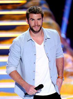 Liam Hemsworth: Bearded