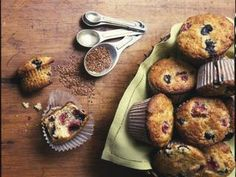 Almond and mixed berry muffins with flaxseed http://www.prevention.com/food/healthy-eating-tips/10-low-sugar-desserts/almond-and-mixed-berry-muffins-flaxseed