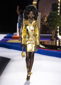 1e624f29ad Moschino Fall Winter 2019 fashion show: see more on www.moschino.com Dolly
