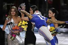 Miss Universe 2015 Memes: Beauty Pageant's Brutal Ending Inspires Sports Themed Reactions Odell Beckham Jr, Funny Sports Memes, Sports Humor, Memes Celebridades, Miss Universe Crown, Las Vegas, Celebrity Memes, Twitter Image, Football Memes