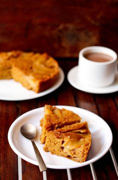 Apple Upside-Down Cake (2 apples, cinnamon powder, nutmeg powder, whole wheat flour, all purpose flour, baking powder, baking soda, lemon juice, water, vegetable oil, unrefind cane sugar, salt, and vanilla extract).