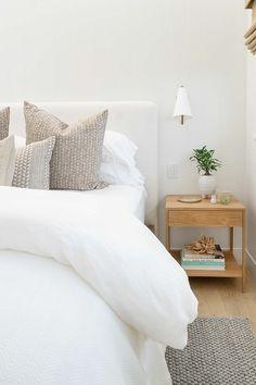Home Interior Decoration .Home Interior Decoration Minimalist Bedroom, Modern Bedroom, White Bedroom Decor, Light Bedroom, Suites, Bedroom Inspo, Bedroom Ideas, Bedroom Styles, Home Decor Accessories
