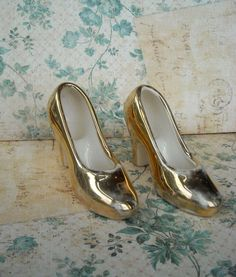Vintage Ceramic Miniature Gold Shoes Shabby by ProctorCreations, $8.00