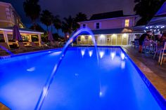 The pool at the Sunshine Suites Resort