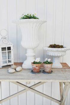 White urns