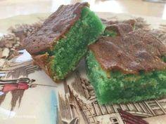 Giftkage - grøn kage, som man husker den fra barndommen - Helt op til månen % % Avocado Toast, Breakfast, Desserts, Food, Samhain, Danish, Morning Coffee, Tailgate Desserts, Deserts