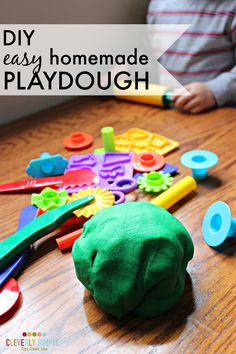 Are you looking for the best DIY easy homeade playdough recipe? Look no further! This recipe is done in less than 15 minutes and it's the playdough ever!