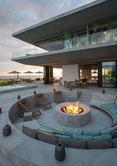 Fire pit or outdoor lounge with fireplace - see templates and tips to help keep up with this trend . - nice fireplace or outdoor lounge with fireplace – see templates and tips to join this trend! Outdoor Lounge, Outdoor Fire, Outdoor Living, Outdoor Stone, Outdoor Patios, Concrete Fire Pits, Fire Pit Backyard, Nice Backyard, Modern Backyard