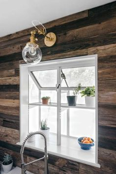 Kitchen With Reclaimed Wall Cladding And Garden Window : Special Kitchen Garden Windows Diy Interior, Interior Lighting, Interior Design, Interior Trim, Kitchen Garden Window, Garden Windows, Bay Windows, Deco Cool, Wall Cladding