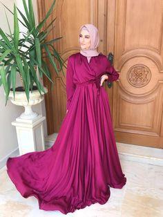 Muslim Fashion, Hijab Fashion, Women's Fashion, Simple Dresses, Elegant Dresses, Teen Fashion Outfits, Fashion Dresses, Modest Work Outfits, Hijab Prom Dress