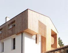 Rehabilitación del caserío Errotabarri Emerando Auzoa, Meñaka (Bizkaia). Junio 2012, Superficie construida: 384m2. Constructor: Tellape S.L. Junto con Gerardo Zarrabeitia