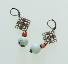 Boucles romantiques corail, bleues et bronze : Boucles d'oreille par majela-bijoux
