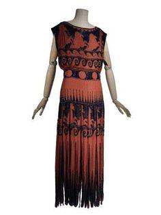 1920s dress by Vionnet, embroidery Lesage. Museum photo.