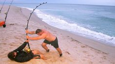 Monster Shark Gets the Best of Two Experienced Fisherman Off the Gulf Coast of Florida Fishing Tackle Shop, Bait And Tackle, Pretty Fish, Beautiful Fish, Walleye Fishing, Kayak Fishing, Spear Fishing, Fishing Rods, Monster Shark