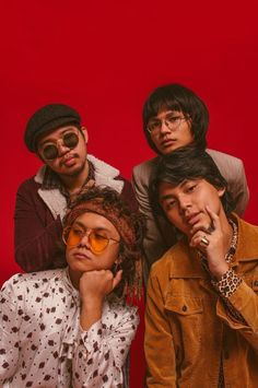 Here's why IV OF SPADES is about to become your new favorite band - Scout Magazine Funk Disco, Music Rock, King Of Spades, Band Wallpapers, Iphone Wallpapers, Group Poses, Band Posters, Room Posters, 90s Outfit