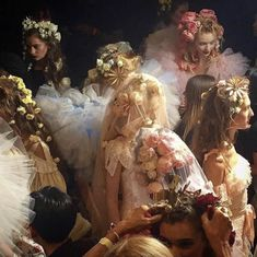 """""""Backstage at fashion shows or renaissance paintings? Renaissance Kunst, Renaissance Paintings, Italian Renaissance, Princess Aesthetic, Alphonse Mucha, Classical Art, Belle Photo, Oeuvre D'art, Ethereal"""