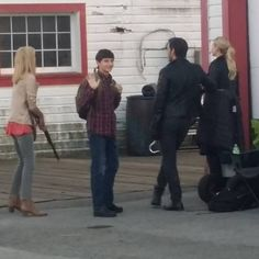 """Jennifer Morrison, Jessy Scharm, Jared Gilmore and Colin O'Donoghue - Behind the scenes - 6 * 3 """"The Other Shoe"""" - 3 August 2016"""