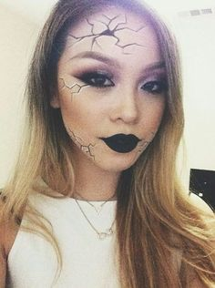 Great cut, make up and brows for Halloween. What is Makeup ? What's Makeup ? In general, what is makeup … Maquillage Halloween Simple, Maquillaje Halloween Tutorial, Unique Halloween Makeup, Scary Halloween, Halloween Doll Makeup, Creepy Doll Makeup, Pretty Halloween, Scary Makeup, Halloween 2020
