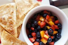 yums and loves: Fruit Salsa with Cinnamon Crisps