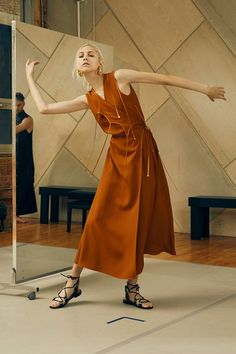 Rosetta Getty Spring 2016 Ready-to-Wear Collection Photos - Vogue Fashion News, Fashion Show, Girl Fashion, Womens Fashion, Fashion Poses, Spring Summer 2016, Spring Summer Fashion, Vogue Paris, Rosetta Getty