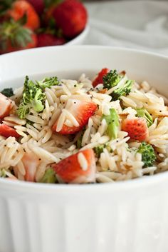 Strawberry & Broccoli Orzo Pasta Salad with Lemon Poppy Seed Vinaigrette - boys ahoy Pasta Recipes, Salad Recipes, Healthy Recipes, Dessert Recipes, Desserts, Soup And Salad, Pasta Salad, Rice Salad, Healthy Grains