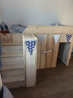 ... images about Steigerhout on Pinterest  Van, Bunk bed and Hobbit hole
