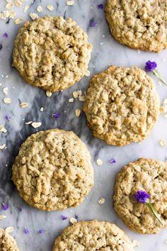 Big Soft Oatmeal Cookies - Sugar Spun Run Brownie Desserts, Oreo Dessert, Mini Desserts, Easy Desserts, Dessert Recipes, Healthy Oatmeal Cookies, Oatmeal Cookie Recipes, Oatmeal Raisin Cookies, Easy Cookie Recipes