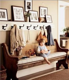 We have a little space for a bench. I would love to get / make a coat rack with pics like this one.