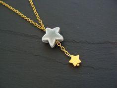 Süße Kette mit zwei Sternen.