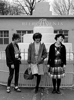 From punks hanging around outside BOY and Worlds End, Mods in London and Ska girls in Coventry, to Joe Strummer backstage and the Specials in Southend, Janette Beckman captured the birth of the most explosive British subculture of all time. Ska Punk, Punk Goth, 80s Goth, Joe Strummer, Punk Fashion, Gothic Fashion, Fashion Tips, Lolita Fashion, Coventry
