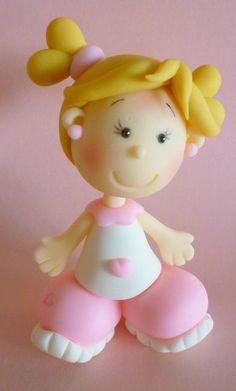 *PORCELAINE FROIDE ~ fillette en porcelaine froide en rose et blanc