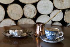greek coffe Coffee Art, Coffee Shop, Coffee Cups, Coffee Break, Coffee Time, Tea Time, Copper Tray, Keep Calm And Drink, Greek Recipes