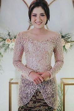 Kebaya Lace, Batik Kebaya, Batik Dress, Dress Brokat Modern, Kebaya Modern Dress, Model Dress Kebaya, Kebaya Simple, Dress Batik Kombinasi, Model Kebaya Modern