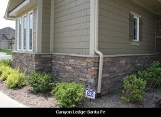 Plum Creek Versetta Stone Siding With Rich Espresso James Hardie Siding The House Exterior