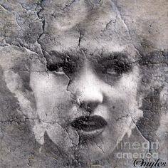 Marilyn Monroe Shattered:SaundraMylesart