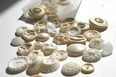 Edible Sugar Vintage Buttons