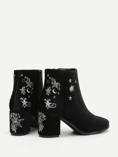 Shop Star & Moon Embroidered Chelsea Ankle Boots at ROMWE, discover more fashion styles online. Block Heel Boots, High Heel Boots, Shoes Heels Boots, Heeled Boots, Sock Shoes, Cute Shoes, Me Too Shoes, Romwe, Nike Air Max