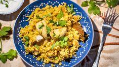 Biryani: Nejlepší recept na indickou rýži s kuřecím masem Indian Food Recipes, Ethnic Recipes, Garam Masala, Fried Rice, Dip, Fries, Biryani, Oriental, Salsa