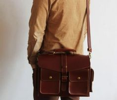 Great man bag. Hand stitched leather satchel. By Neo Handmade Leather Bags.