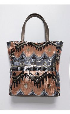 http://www.studio-untold.com/de-DE/modell/tasche-mit-strass-ethnomuster/700047/?color=70004790&campaign=sm/pinterest
